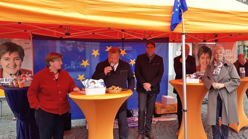 Auftakt zum Europa-Wahlkampf auf dem Bielefelder Jahnplatz