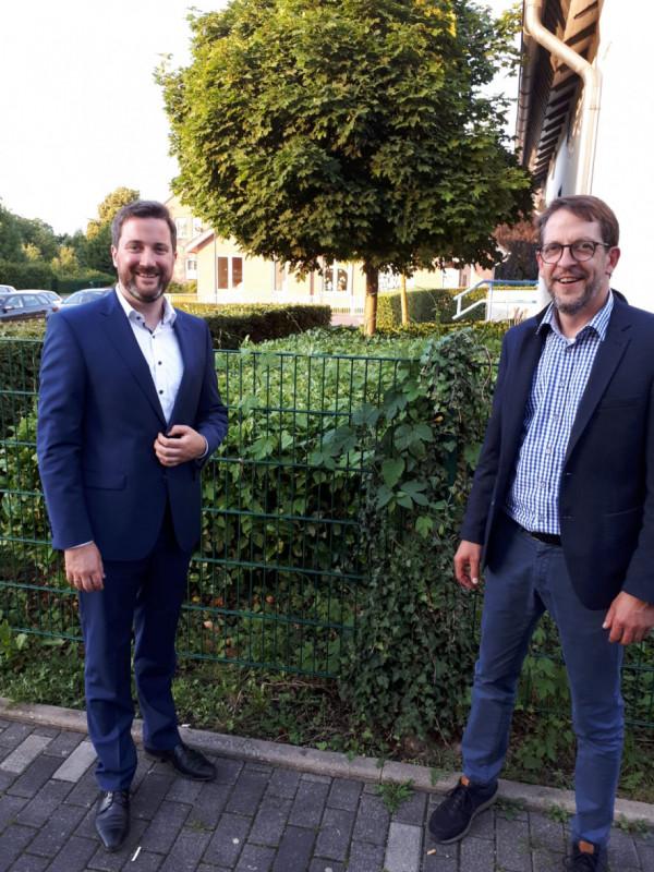 CDU-Vorsitzender Thomas Freitag (rechts) war der erste Gratulant, welcher Marco Diethelm zur erneuten Kandidatur beglückwünschen konnte.