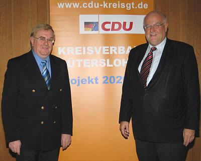 Sprachen über die Zukunft der ländlichen Räume (v.l.): Landtagsabgeordneter Reinhold Sendker MdL und CDU-Kreisvorsitzender Ludger Kaup.