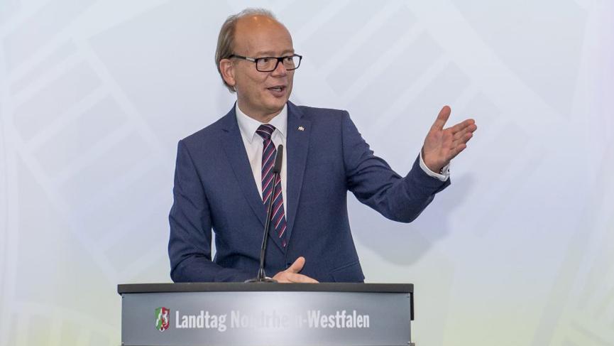 Landesregierung unterstützt Kommunen mit umfangreichem Konjunkturpaket