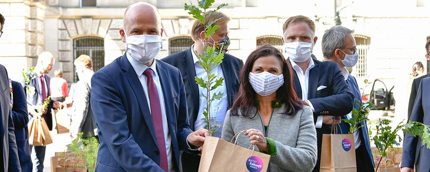 Unionsabgeordnete als Baumbotschafter