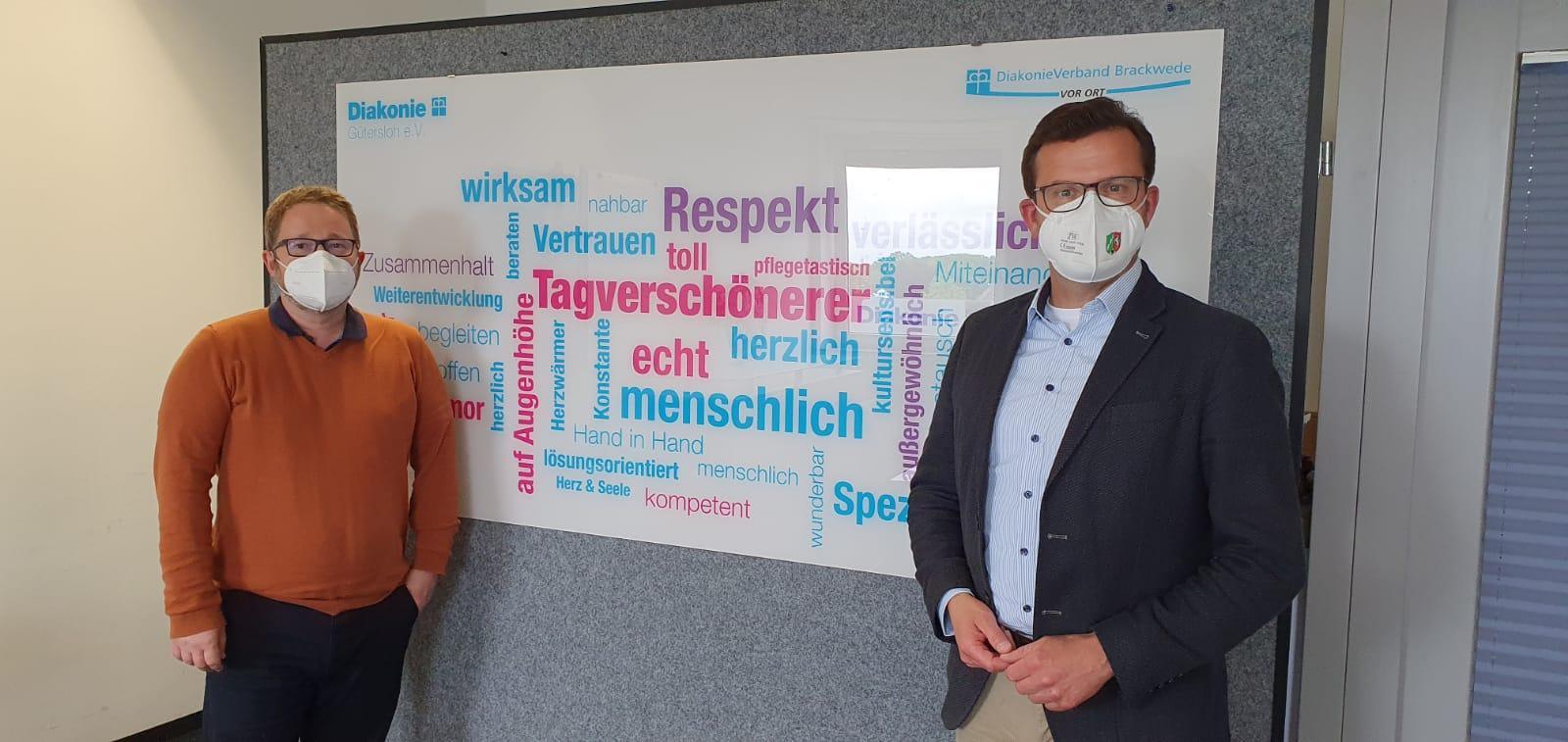 Im Gespräch über die Rolle der Diakonie Gütersloh, nicht nur in Corona-Zeit (v.l.): Diakonie-Vorstand Björn Neßler und der Landtagsabgeordnete Raphael Tigges.