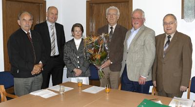 v. l.: Johannes Peitz, Ralph Brinkhaus, Gisela Gievers, Engelbert Gievers, Hans-Rudolf Benteler, Bernhard Mihm