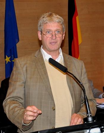Warb im Kreistag erfolgreich für die Zustimmung zum Optionsantrag: CDU-Fraktionsvorsitzender Dr. Heinrich Josef Sökeland.