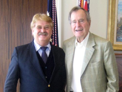 Elmar Brok MdEP und George H.W. Bush senior
