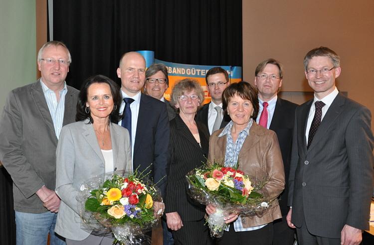Der neue geschäftsführende Kreisvorstand mit dem Vorsitzenden Ralph Brinkhaus MdB (3.v.l.)