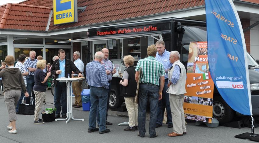 Gut besucht: Das Kaffemobil beim ersten Einsatz in Verl.