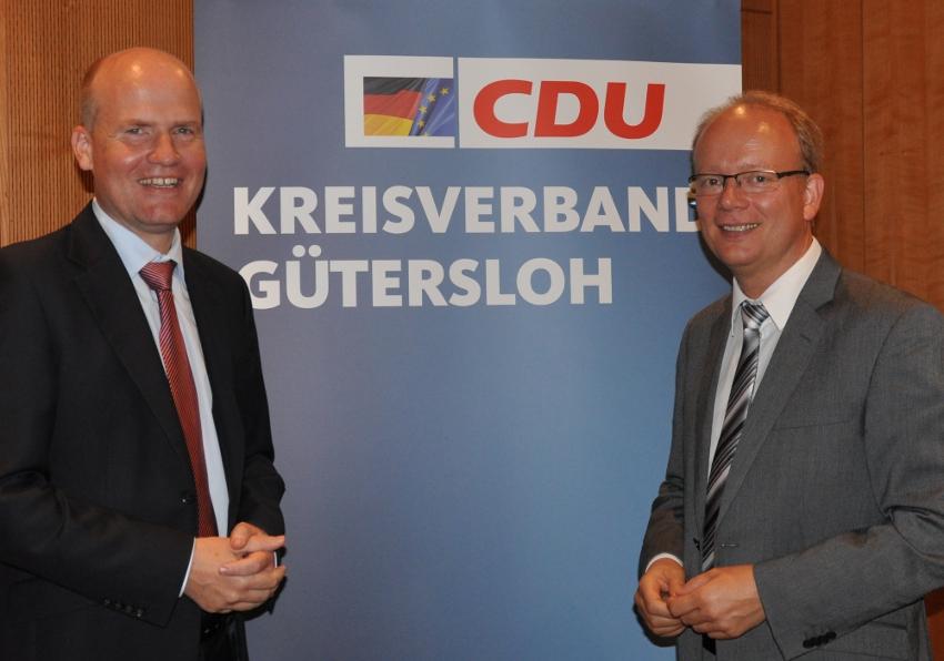 Analysierten den rot-grünen Koalitionsvertrag auf seine Finanzfreundlichkeit für die Kommunen: Ralph Brinkhaus und André Kuper.
