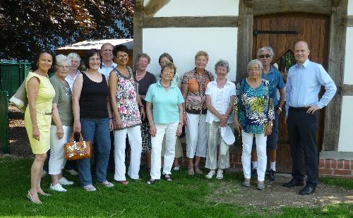 Mitglieder der FU Halle und CDU-Kreisvorsitzender Ralph Brinkhaus MdB bei der \