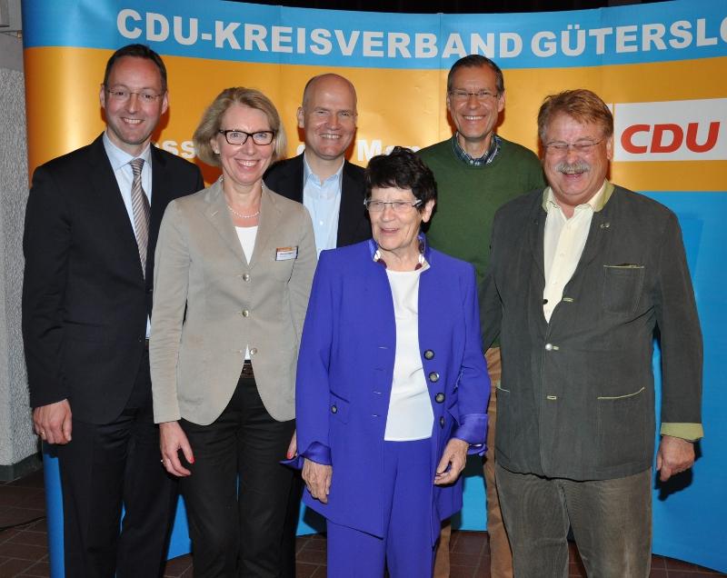 Theo Mettenborg, Henrika Küppers, Ralph Brinkhaus, Rita Süssmuth, Sven-Georg Adenauer und Elmar Brok im Reethus (v.l.).