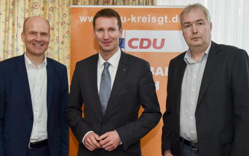 Ralph Brinkhaus MdB und Prof. Dr. Patrick Sensburg MdB sowie Dirk Lehmann, Vorsitzender des CDU-Gemeindeverbands Steinhagen (v.l.)