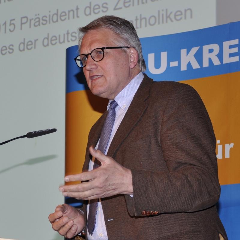 Will die frühe Integration von Flüchtlingen in zum Beispiel Sport- oder Musikvereine: Prof. Dr. Thomas Sternberg MDL.
