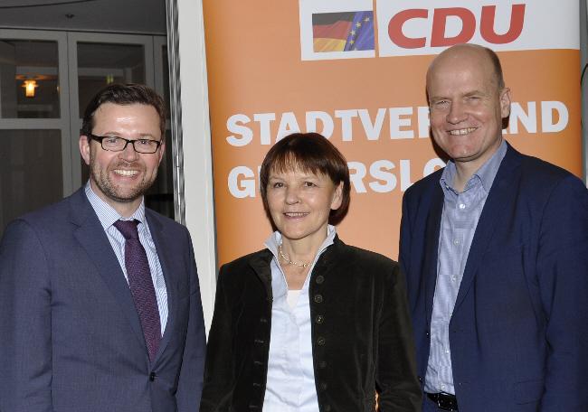 Raphael Tigges, Monika Paskarbies und Ralph Brinkhaus (v.l.) blickten zu Beginn des Wahljahres in die Zukunft Deutschlands und der Welt.