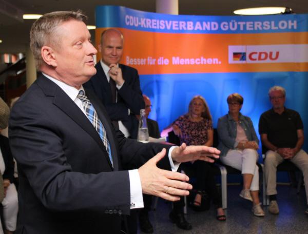 Bundesgesundheitsminister Hermann Gröhe in der Stadthalle Gütersloh
