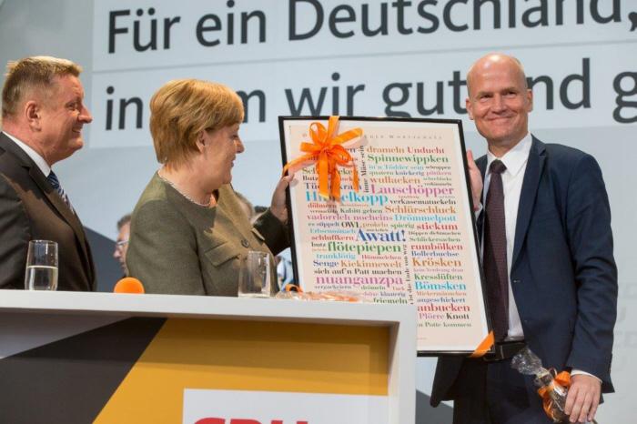 Bundeskanzlerin Angela Merkel auf dem Herforder Marktplatz