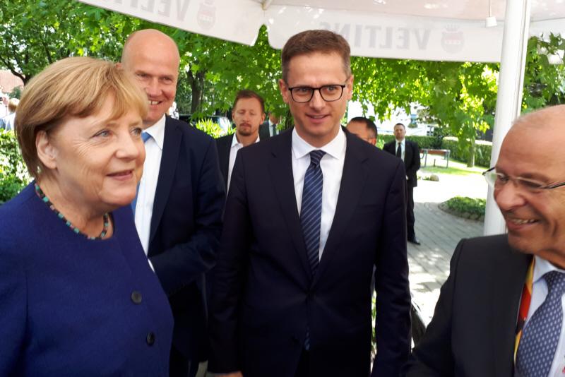 Bundeskanzlerin Dr. Angela Merkel, CDU-Bezirksvorsitzender Ralph Brinkhaus MdB, Dr. Carsten Linnemann MdB und Kar-Heinz Wange MdB