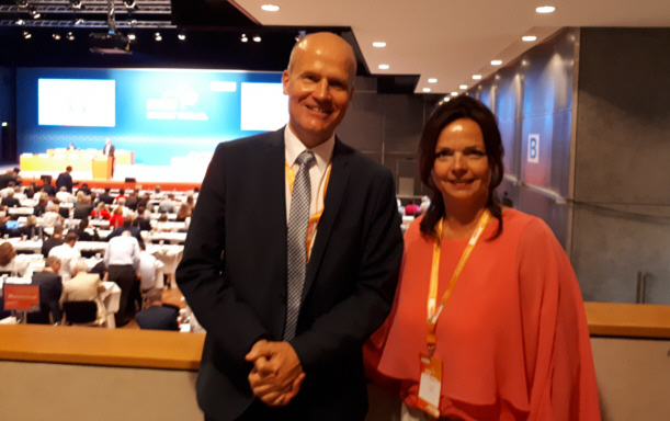 Ralph Brinkhaus MdB und Gabriele Nitsch auf dem Landesparteitag in Bielefeld
