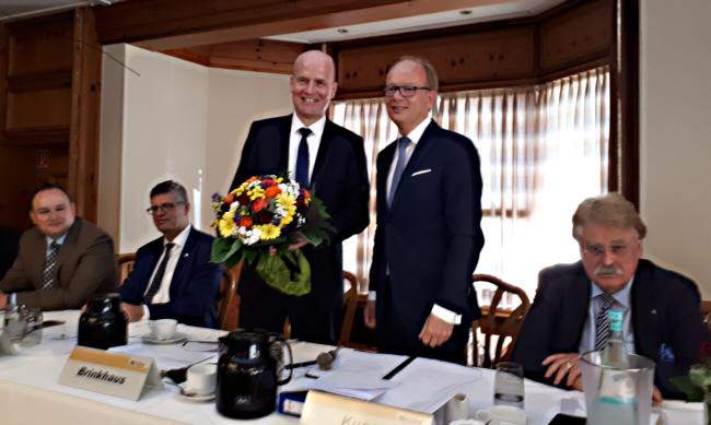 Ralph Brinkhaus MdB wurde in seinem Amt als Bezirksvorsitzender bestätigt