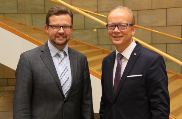 Raphael Tigges MdL und Landtagspräsident André Kuper